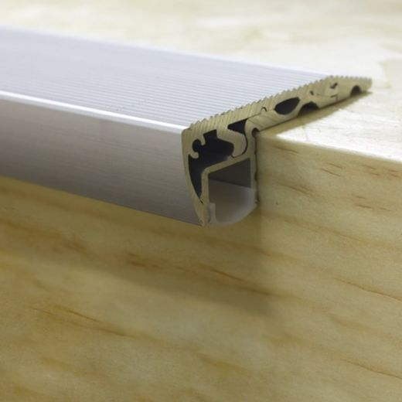 Profilé aluminium escalier Ruban LED