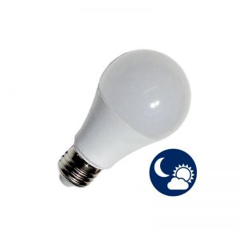 Ampoule E27 7W à capteur crépusculaire